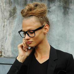 Retro Wayfarer Glasses / Black Frames:  Non-Prescription
