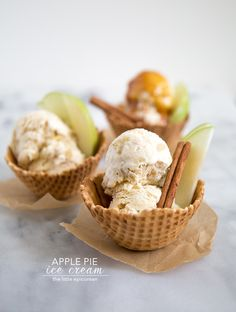 Who needs apple pie à la mode when you can have apple pie ice cream? This ice cream takes all the flavors of apple pie and stuffs into into a scoop. Apple Pie Ice Cream, Ice Cream Pies, Homemade Ice Cream, Gelato Ice Cream, Frozen Desserts, Frozen Treats, Delicious Desserts, Dessert Recipes, Gourmet Desserts