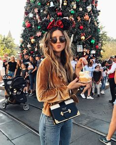 What is more magical than being at Disneyland during Christmas? Two of my favorite things! Disney World Outfits, Disneyland Outfits, Disneyland Outfit Summer, Disney Fashion, Disney Mode, Disney Day, Disney Trips, Disney Bound, Disneyland Christmas