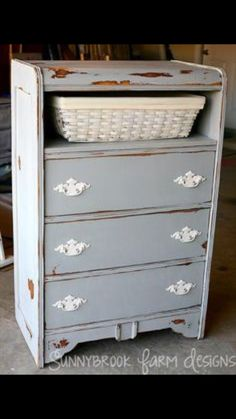 Gray color, open drawer?