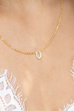 Horseshoe Necklace is perfect for every day and layering and comes in Gold, Silver or Rose Gold Excellent Christmas Gift Idea for Horse lovers or Equestrians! Slave Bracelet, Heart Bracelet, Etsy Jewelry, Jewelry Stores, Jewellery, Or Rose, Rose Gold, Creative Gifts For Boyfriend, Horseshoe Necklace