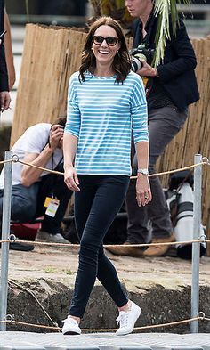 Kate Middleton's ultra-casual outfit is the most accessible look of the summer - HelloGiggles Kate Middleton Jeans, Estilo Kate Middleton, Kate Middleton Outfits, Kate Middleton Style, Christian Dior, Nordstrom Anniversary Sale, Look Fashion, Fashion Outfits, Classic Fashion