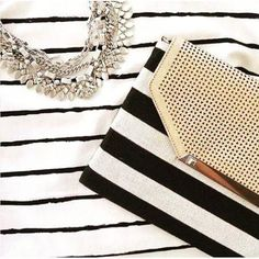 Thisi my favourite clutch paired with my favourite sutton necklace! So pretty and great for dressing up or dressing up a tshirt! #stelladotstyle #stelladot #clutch #suttonnecklace #jewellery