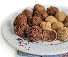 Трюфели  Какое чаепитие без конфет? А если они еще и ручной лепки — вообще невозможно устоять.