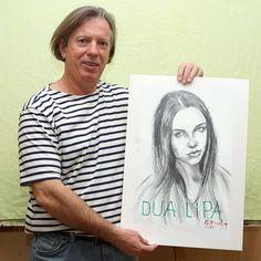 Gazmend Freitag ,artistë e piktorë me famë botërore me punime për Rita Ora dhe Dua Lipa Portrait, Austria, T Shirts For Women, Artist, Linz, Friday, Men Portrait, Artists, Portrait Illustration