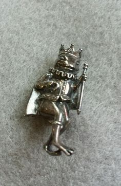 Vintage Sterling Silver Frog Prince Brooch / Pin: Jezlaine #Jezlaine