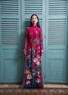Just my stuffs Vietnamese Traditional Dress, Traditional Dresses, Lace Ao Dai, Chinoiserie Chic, Mandarin Collar, Asian Style, Asian Beauty, Wedding Styles, Saree