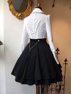 From Atelier Boz, Osaka. Back Detail. Steampunk Fashion, Victorian Fashion, Gothic Fashion, Vintage Fashion, Kawaii Fashion, Lolita Fashion, Cute Fashion, Estilo Lolita, Dress Outfits