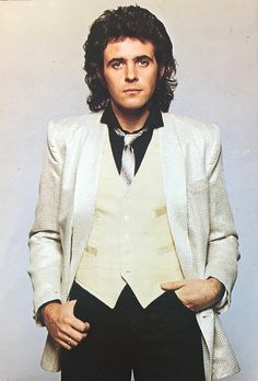 David Essex played the Artilleryman in Jeff Wayne's Musical Version of The War of the Worlds. Pop Posters, Concert Posters, Essex Boys, David Essex, The Wedding Singer, Music People, My Childhood Memories, British Actors, Looks Cool