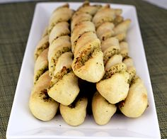 How I love pesto....pesto and breadsticks? YES....LOVE!