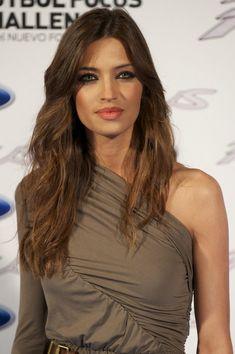 Sara Carbonero - This woman has a face for makeup.