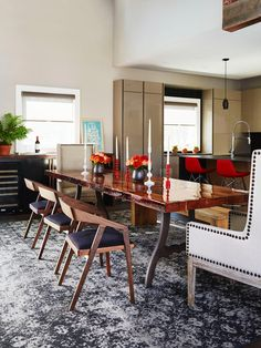 John Colaneri's Expertly Designed Home featured in #HGTVMagazine // http://www.hgtv.com/design/decorating/design-101/inside-john-colaneris-expertly-designed-home-pictures?soc=pinterest