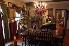 Colonial Primitive Home Tours | Found on primitivesbymichelle.blogspot.com