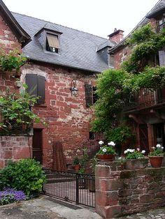 Collonges-la-Rouge ~ Limousin ~ France Limousin, French Lifestyle, Poitou Charentes, Clermont Ferrand, Dordogne, French Countryside, French Country Style, Amazing Architecture, Cool Places To Visit
