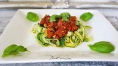 Spaghetti z cukinii z sosem pomidorowym, czyli dieta dr Dąbrowskiej - dzień 6 Spaghetti, Squash, Ethnic Recipes, Fitness, Food Heaven, Diet, Pumpkins, Gourd, Pumpkin