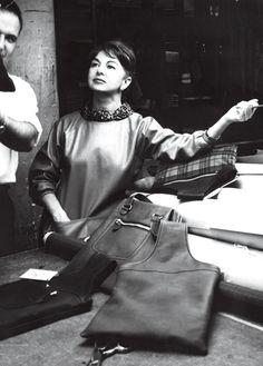 Bonnie-Cashin la primera colección de bolsos de mano incorporada a una colección de moda.