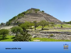 """#turismoqueretaro FRACCIONAMIENTOS EN QUERÉTARO. La Zona Arqueológica """"El Cerrito"""", ubicada en el suroeste de Querétaro, fue ocupada por civilizaciones prehispánicas, desde los teotihuacanos en su primera etapa, hasta los toltecas, chichimecas, tarascos y otomís. En ésta zona sobresalen la Gran Pirámide, el Palacio, la Plataforma Cuadrangular, la Plaza de la danza y la de las Esculturas. En ASIN BR, tenemos lo mejor en bienes raíces, para que adquiera su nuevo hogar en este bello estado…"""
