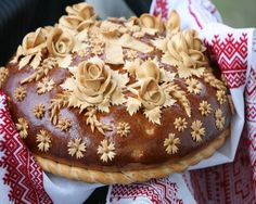 There are many aspects of a traditional Ukrainian wedding that differs from a North American wedding. Korovai, also known as Ukrainian wedding bread, is one of the differentiators. Ukrainian Recipes, Russian Recipes, Ukrainian Food, Pavlova, Ukrainian Wedding Traditions, Cheesecakes, Bread Art, Polish Recipes, Polish Food