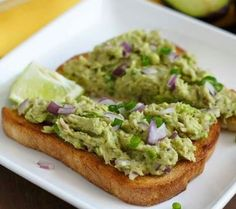 Tuna Avocado Tostadas Good Enough For Breakfast, Lunch, and Dinner Tuna Avocado, Fresh Avocado, Avocado Toast, Peruvian Recipes, Food Facts, Afternoon Snacks, Mexican Dishes, Tostadas, Fruits And Veggies