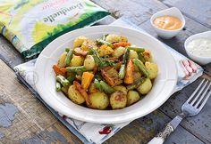 Cartofi noi la cuptor cu fasole verde - reteta video Shrimp, Recipies, Food And Drink, Meat, Green, Recipes, Beef, Food Recipes, Rezepte