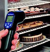 #Termometro ad #infrarossi Arw Temp 8 permette di misurare rapidamente e in modo semplice gli oggetti sia a distanza che a contatto grazie alla tecnologia ad infrarossi. Particolarmente adatto nel controllo, monitoraggio e manutenzione nell'industria,conservazione e movimentazione di prodotti alimentari. Per mezzo di un puntatore laser si identifica con estrema facilità il centro dell'area da misurare.