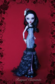 *CARMEN* OOAK repaint custom Monster high Draculaura Mattel by Raquel Clemente | Flickr - Photo Sharing!