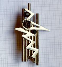 80s Metal Abstract Art Pin