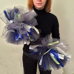 Not Licensed by the NFL Professional Football Craft Projects (Third Edition) Cheer Camp, Cheer Dance, Cheer Pom Poms, Football Banquet, Football Crafts, Free Pattern Download, Cheer Party, How To Make A Pom Pom, Team Mom