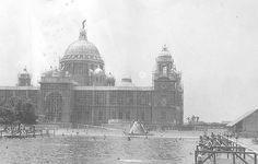 Victoria Memorial being built
