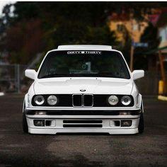 BMW E30 3 series white slammed dirty thirty