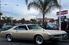 https://flic.kr/p/dRr5Vq | 1968 Buick Riviera - Silver Beige - front | 1968 Buick Riviera - Silver Beige - shot @ Donut Derelicts - Huntington Beach, CA