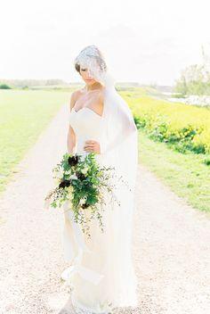 Greek Goddess Inspired Wedding Style | Wedding Sparrow | Anoushka Rokebrand