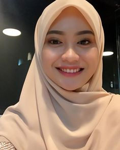 Gadis Cantik Hijaber Si Pipi Tembem - Her Crochet Hijab Teen, Girl Hijab, Beautiful Muslim Women, Beautiful Hijab, Modern Hijab Fashion, Muslim Fashion, World's Cutest Girl, Muslim Beauty, Ombre Lips