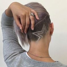 Star Design Undercut http://eroticwadewisdom.tumblr.com/post/157384978092/hot-and-sexy-medium-hairstyles-for-round-faces