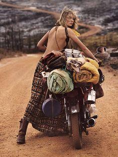 Sur La Route: Edie Campbell para Vogue Paris Marzo 2017