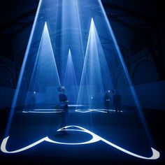 Instalación de luces de Anthony McCall, un #artista #vanguardista  #spring #LED #girl #blue #museum #milan #beautiful #love #cute #design #mwc #mwc15 #mwc2015 #mobileworldcongress  #exposition #light #light2015 #ail2015 #iyl2015 #original