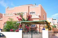 REF 371 :Mooie woning met 3 verdiepingen in Los Montesinos €600,- per maand.