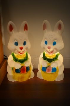 Pair of Vintage Lighted Plastic EASTER BUNNIES W by cougarvintage on etsy