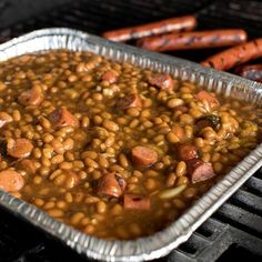 Throw a pan on the grill for this easy side dish! It's an epic blend of baked beans, brown sugar and pepper, mixed with the hearty taste and. Hot Dog Casserole, Baked Bean Casserole, Baked Bean Recipes, Hot Dog Recipes, Beans Recipes, Grilled Recipes, Pork N Beans, Baked Beans, Side Dishes Easy