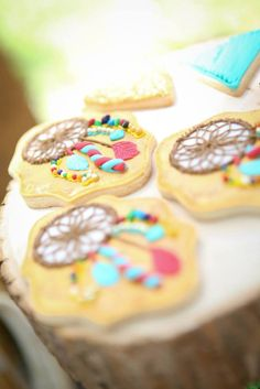 Bohemian Camping Themed Birthday Party via Kara's Party… Bohemian Birthday Party, Hippie Party, 1st Birthday Girls, 1st Birthday Parties, Princesa India, Bohemian Party Decorations, Pow Wow Party, American Party, Indian Party