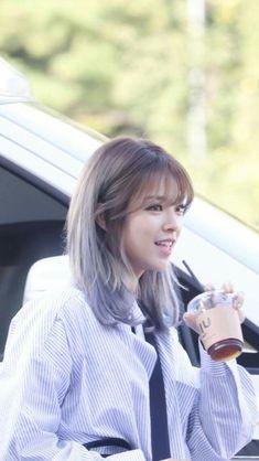K Pop, Suwon, Nayeon, Kpop Girl Groups, Kpop Girls, Kpop Hair Color, Korean Girl, Asian Girl, Twice Jungyeon