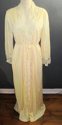Vintage French Maid Canada  Nylon And Lace Nightgown & Robe