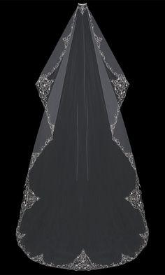 En Vogue Bridal Accessories - Mantilla-Cut Cathedral Bridal Veil | V704C-M