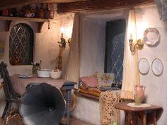 My Dream Dollhouse: Featured Artist: Lenor Johnson