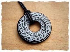 Donut aus Onyx mit keltischen Endlosknoten