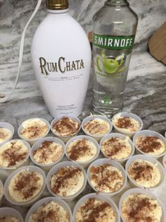 Apple Pie Pudding Shots Alcoholic apple pie a la mode! 1 box sugar free vanilla pudding ¾ cup skim milk cup apple vodka cup vanilla flavored cream liquor 1 tub of fat free whipped topping 8 reduced fat vanilla waf… Pudding Shot Recipes, Jello Pudding Shots, Jello Shot Recipes, Alcohol Drink Recipes, Pudding Cup, Rumchata Pudding Shots, Vanilla Pudding Shots, Holiday Jello Shots Recipe, Fall Drinks Alcohol