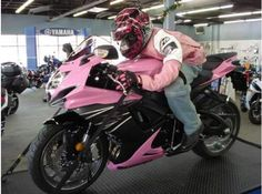 Custom Pink Suzuki GSXR 600