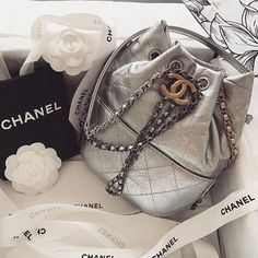 "1,852 Likes, 11 Comments - CHANEL (@chanel_we_love) on Instagram: ""Silver @missirynad"""