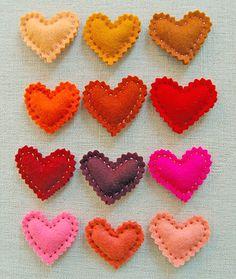Corações de Feltro. #craft #heart #color #felt