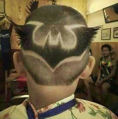 """Típico peinado que va gritando: """"Soy idiota"""""""